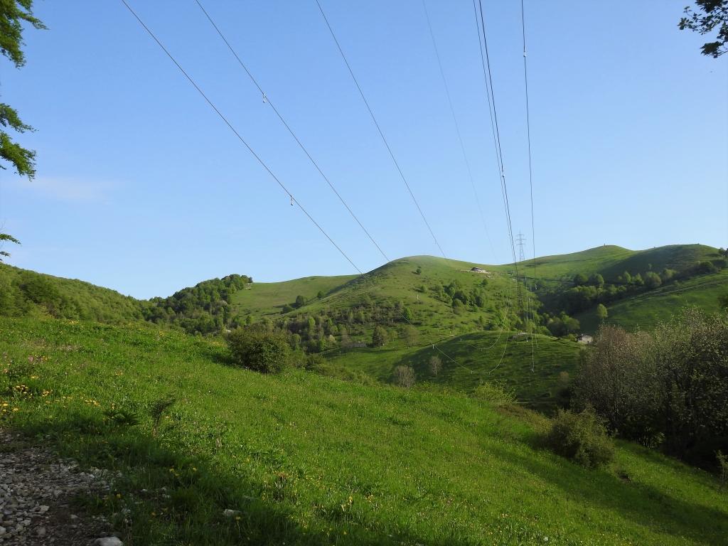 Monte resegone cermenati 1875m da brumano con for Rifugio resegone valle imagna