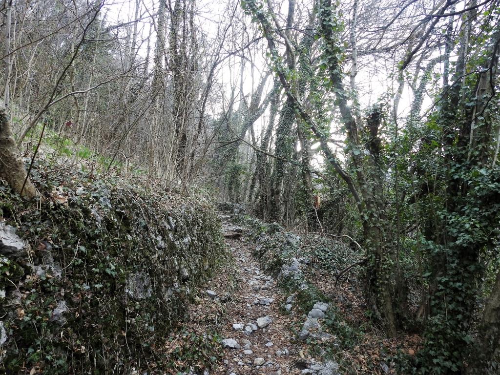 2018-04-08 Pizzo Cerro e Castel Regina 006
