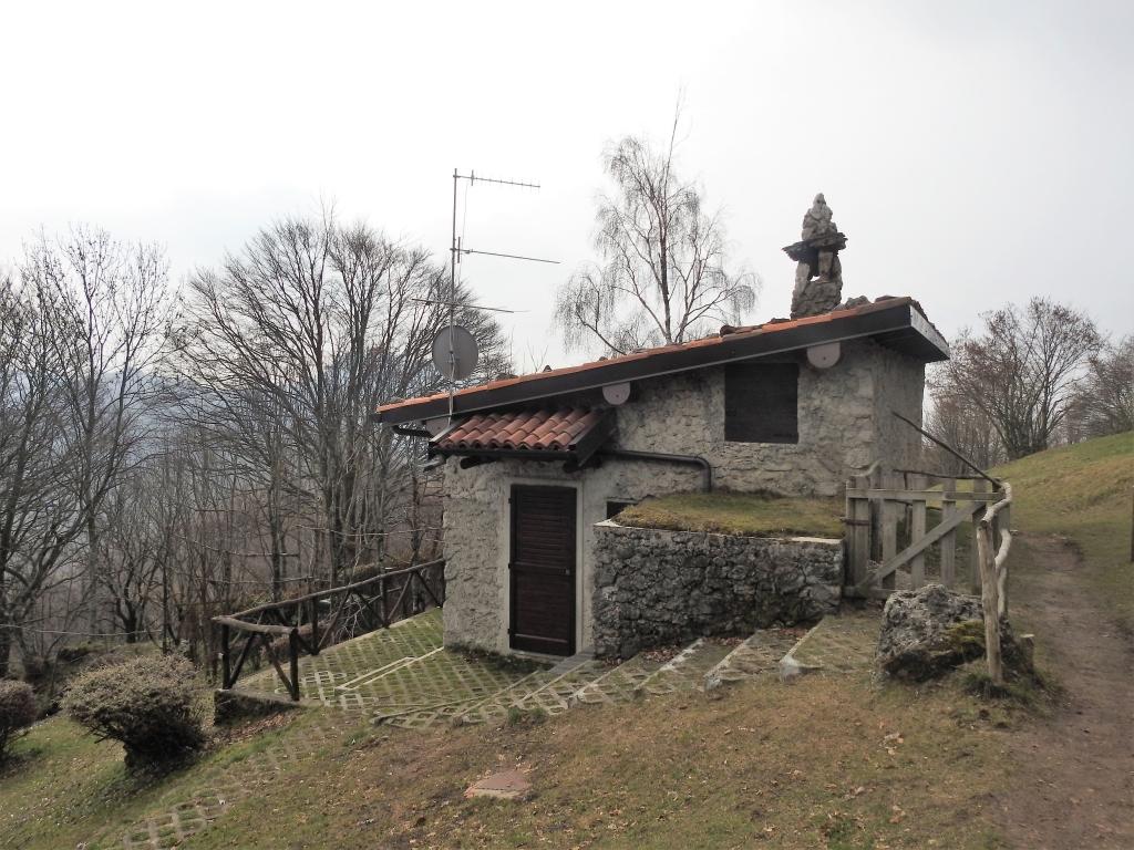 2018-04-08 Pizzo Cerro e Castel Regina 019