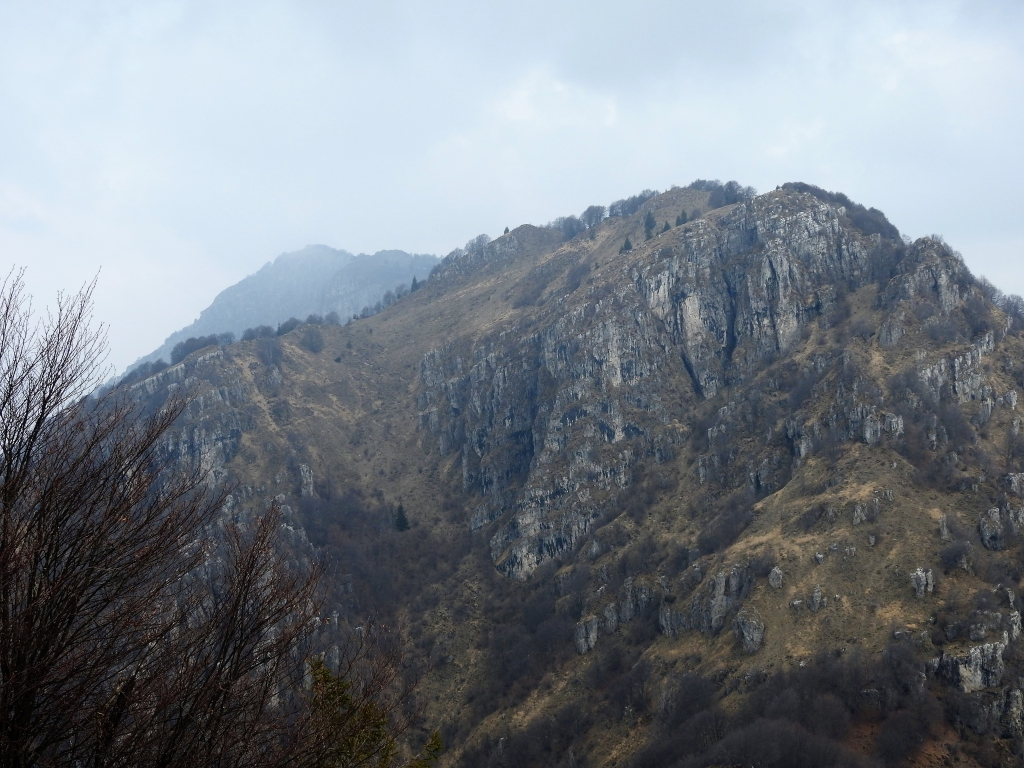 2018-04-08 Pizzo Cerro e Castel Regina 042