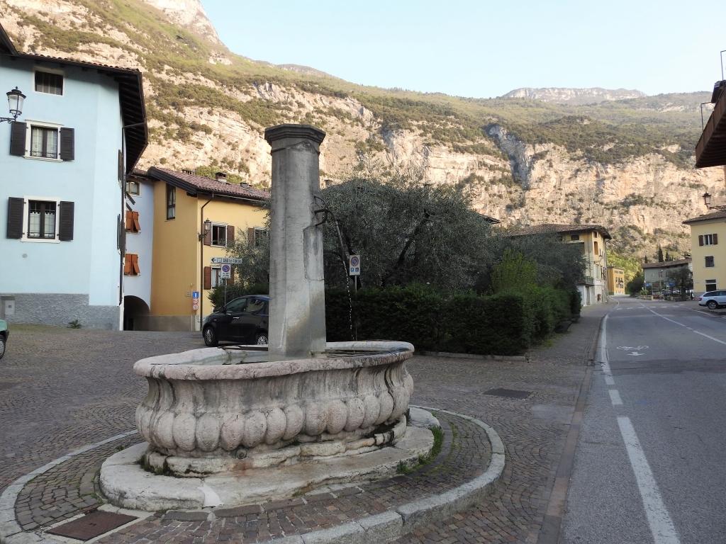 2018-04-22 sentiero degli Scaloni Dro Ceniga (102)