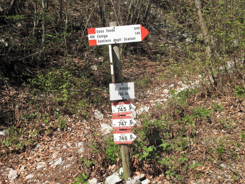 2018-04-22 sentiero degli Scaloni Dro Ceniga (147)